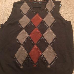 VanHeusen V-neck sweater vest